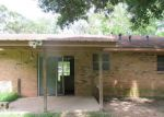 Foreclosed Home in Oakdale 71463 412 N 16TH ST - Property ID: 4190806