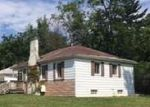 Foreclosed Home in Oak Park 48237 10200 KENWOOD ST - Property ID: 4191134