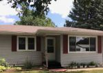 Foreclosed Home in Oelwein 50662 913 2ND AVE SW - Property ID: 4193208
