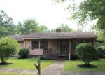 Foreclosed Home in Oakland City 47660 5112 S LINCOLN ST - Property ID: 4194039