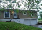 Foreclosed Home in Kansas City 64124 805 WABASH AVE - Property ID: 4195008
