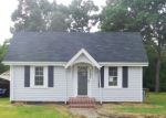 Foreclosed Home in Burlington 27217 1724 LOWER HOPEDALE RD - Property ID: 4195049