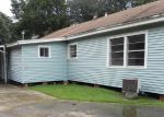 Foreclosed Home in Groves 77619 2909 MAIN AVE - Property ID: 4195862