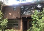 Foreclosed Home in New Orleans 70114 20 CARRIAGE LN - Property ID: 4195896