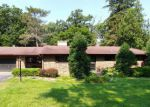 Foreclosed Home in Barrington 60010 104 W LAKE SHORE DR - Property ID: 4197857