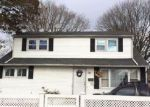 Foreclosed Home in Amityville 11701 16 SILVERPINE DR - Property ID: 4198641