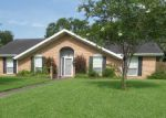 Foreclosed Home in Lafayette 70506 130 HIGHLAND DR - Property ID: 4200227