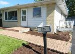Foreclosed Home in Mundelein 60060 852 W HAWLEY ST - Property ID: 4200304