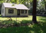 Foreclosed Home in Topeka 66607 1926 SE MICHIGAN AVE - Property ID: 4201146