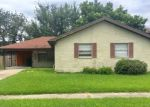 Foreclosed Home in Metairie 70002 4008 NAPOLI DR - Property ID: 4202142