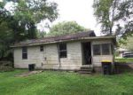 Foreclosed Home in Jacksonville 32220 8020 MARINER ST - Property ID: 4202741