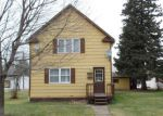 Foreclosed Home in Duluth 55810 617 1ST ST - Property ID: 4203176