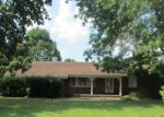 Foreclosed Home in West Frankfort 62896 1201 E SAINT LOUIS ST - Property ID: 4204296