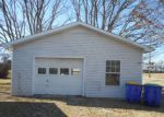 Foreclosed Home in Franklin 42134 500 COLONIAL DR - Property ID: 4206562