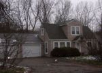 Foreclosed Home in Hopkins 55343 12720 PIONEER RD - Property ID: 4206649