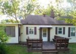 Foreclosed Home in Kansas City 66106 1021 S 56TH TER - Property ID: 4207674