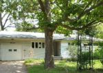 Foreclosed Home in Topeka 66604 4824 SW 18TH ST - Property ID: 4209868