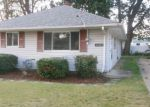 Foreclosed Home in Wickliffe 44092 30097 REGENT RD - Property ID: 4211666