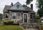Foreclosed Home in Copiague 11726 10 HAWKINS BLVD - Property ID: 4211887