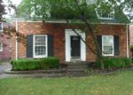 Foreclosed Home in Grosse Pointe 48230 704 NEFF RD - Property ID: 4211941