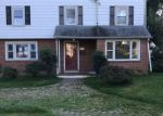 Foreclosed Home in Morton 19070 2308 GRAND AVE - Property ID: 4212012