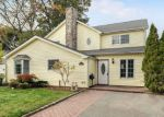 Foreclosed Home in Syosset 11791 31 SOUTHWOOD CIR - Property ID: 4212118
