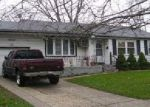 Foreclosed Home in Brentwood 11717 16 SWALLOW LN - Property ID: 4213380