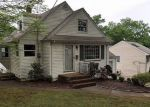 Foreclosed Home in West Orange 7052 66 MAYFAIR DR - Property ID: 4215417
