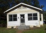 Foreclosed Home in Fairfield 35064 406 VALLEY RD - Property ID: 4216949