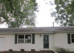 Foreclosed Home in Davenport 52806 325 W 64TH ST - Property ID: 4218130