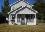 Foreclosed Home in Evansville 47710 829 LOHOFF AVE - Property ID: 4218224