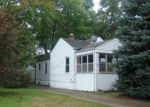 Foreclosed Home in Ferndale 48220 931 EMWILL ST - Property ID: 4218379