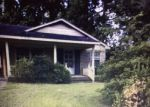 Foreclosed Home in Wallace 28466 307 W CLEMENT ST - Property ID: 4220343