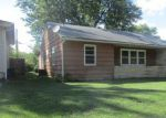 Foreclosed Home in Marshall 65340 617 N BOND AVE - Property ID: 4221246
