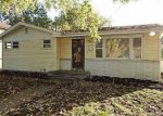 Foreclosed Home in Des Moines 50317 2903 DON LEE CT - Property ID: 4221431