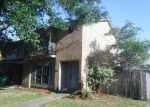 Foreclosed Home in Gretna 70056 2465 OXFORD PL - Property ID: 4221797