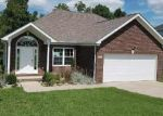 Foreclosed Home in Glasgow 42141 212 ASHKIRK LN - Property ID: 4222035