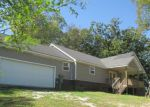 Foreclosed Home in Chattanooga 37406 3515 BATTERY DR - Property ID: 4222782