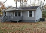 Foreclosed Home in Oneida 37841 300 LAFAYETTE ST - Property ID: 4222799