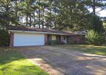 Foreclosed Home in Clinton 39056 711 LINDALE ST - Property ID: 4223039