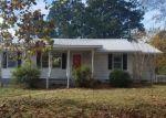 Foreclosed Home in Jasper 35504 907 SUNRISE RD - Property ID: 4223995