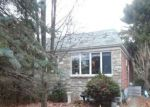 Foreclosed Home in Norristown 19401 603 CALAMIA DR - Property ID: 4224864