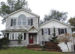 Foreclosed Home in Westbury 11590 2666 HYACINTH ST - Property ID: 4225021