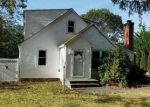 Foreclosed Home in Mount Sinai 11766 18 WYLDE RD - Property ID: 4225322