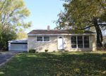 Foreclosed Home in Carpentersville 60110 77 ALAMEDA DR - Property ID: 4225969