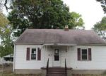 Foreclosed Home in Wood River 62095 827 LONGFELLOW AVE - Property ID: 4225978