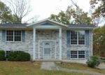 Foreclosed Home in Oak Hill 25901 323 WOODBRIDGE RD - Property ID: 4226095