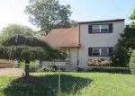 Foreclosed Home in Lindenhurst 11757 425 GRAND AVE - Property ID: 4226162