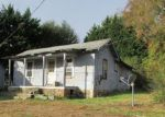 Foreclosed Home in Hampton 37658 121 COLEMAN RD - Property ID: 4226427