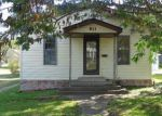 Foreclosed Home in Gillespie 62033 811 1ST ST - Property ID: 4227055